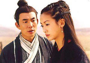 「楊佩佩版」《神鵰俠侶》中,小龍女(吳倩蓮飾)一反傳統,身著黑衣。